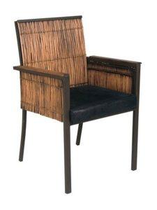 cadeira de madeira de demolição