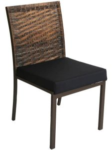demolição cadeira madeira