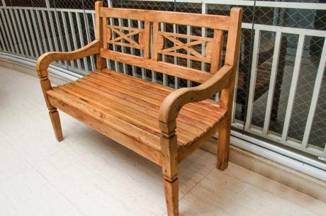 banco de madeira rustico